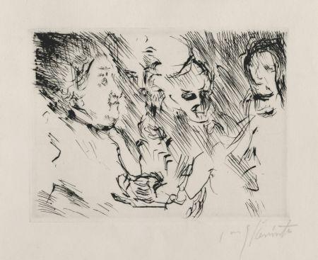 Pointe-Sèche Corinth - Drei Personen am Tisch