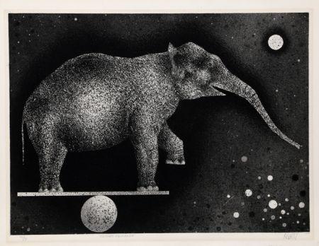 Manière Noire Avati - Elephant Equilibriste
