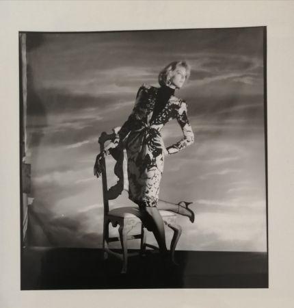 Photographie Horst  - Femme à la chaise