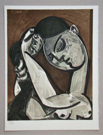Lithographie Picasso - Femme se coiffant, 1955