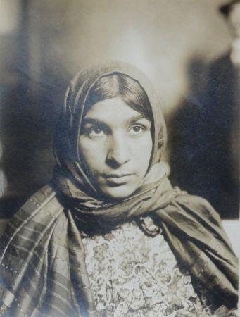 Photographie Hine - Gypsy (Ellis Island #47)