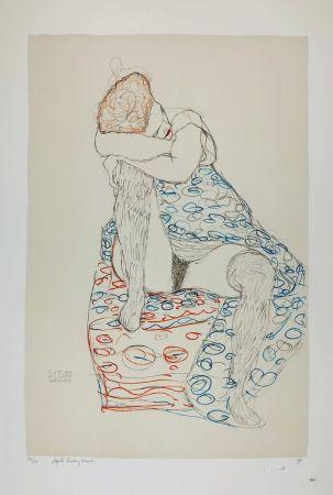 Lithographie Klimt - La  fille aux bas de soie assise sur le tabouret, 1910 / Sitzende mit gerafftem Rock / Seated Female Semi-Nude in Patterned Dress, Her Head Resting on Her Right Knee