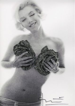Photographie Stern - Marilyn Black silver wink roses