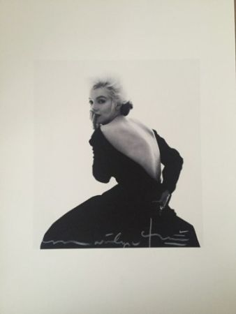 Photographie Stern - Marilyn in Famous Black Dress (1962)