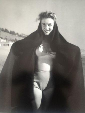 Photographie De Dienes  - Marilyn. La sortie de bain. (1945)