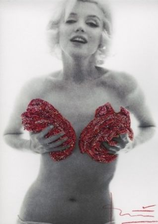 Photographie Stern - Marilyn red classic full roses Glitters