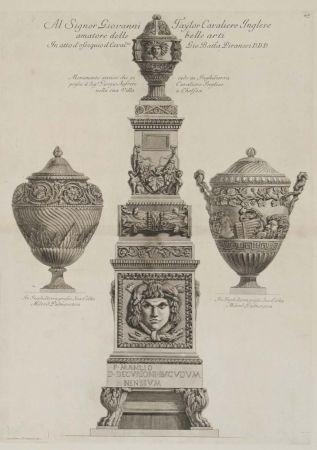 Gravure Piranesi - Monumento antiguo y dos vasos