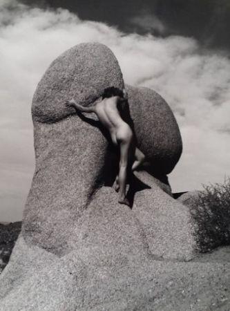 Photographie De Dienes  - Nu sur le rocher
