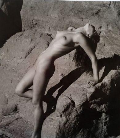 Photographie De Dienes  - Nu sur les rochers