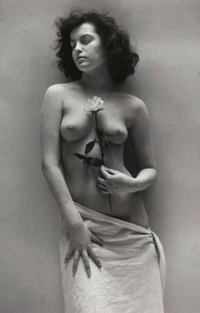 Photographie De Dienes  - Nude with Rose