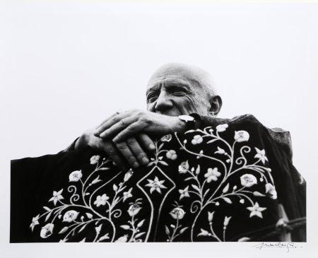 Photographie Clergue - Picasso Preside la Corrida - Frejus, 1962