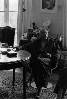 Photographie Clergue - PICASSO WITH KIMONO