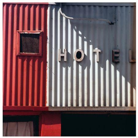 Photographie Cottingham - Untitled II (Hotel)